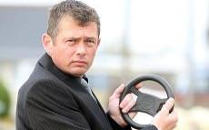 Paul Hutton e il volante della sua vettura